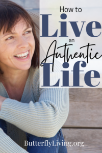 Lady smiling-living an authentic life